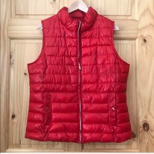 Relativity shiny red quilted puffer vest Sz L